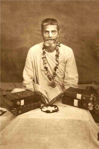his-divine-grace-srila-bhakti-prajnana-keshava-goswami-maharaj